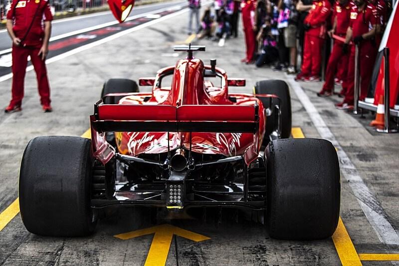 гоночная машина со сликами