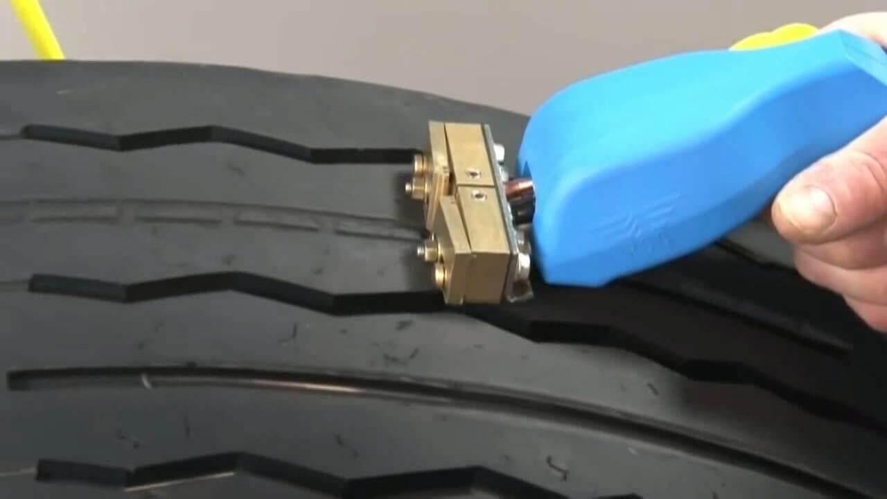 восстановление протектора шины регрувером